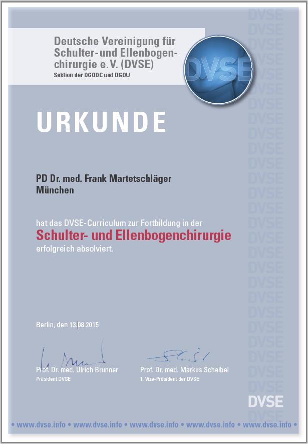 PD Dr. F. Martetschläger erhält von der DVSE das Zertifikat für Schulter- und Ellenbogenchirurgie